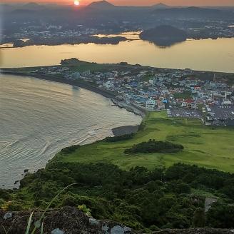 Sunset view at Seongsan Ilchulbong Peak